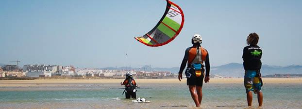 clases kitesurf niños tarifa