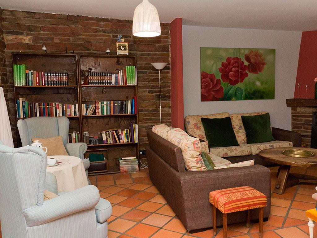salon casa rural dona catalina segovia