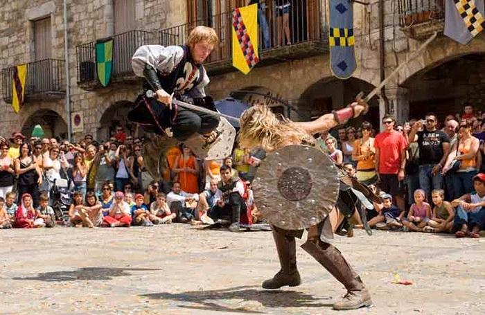 PUEBLOS MEDIEVALES DE ESPAÑA-Besalú-festival medieval