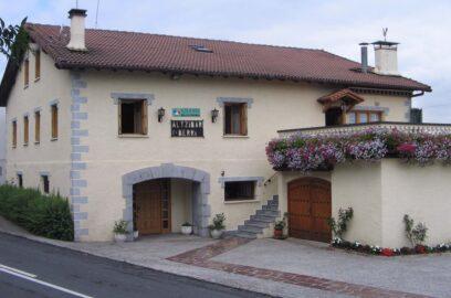 fachada 1 casa rural altzibarberri