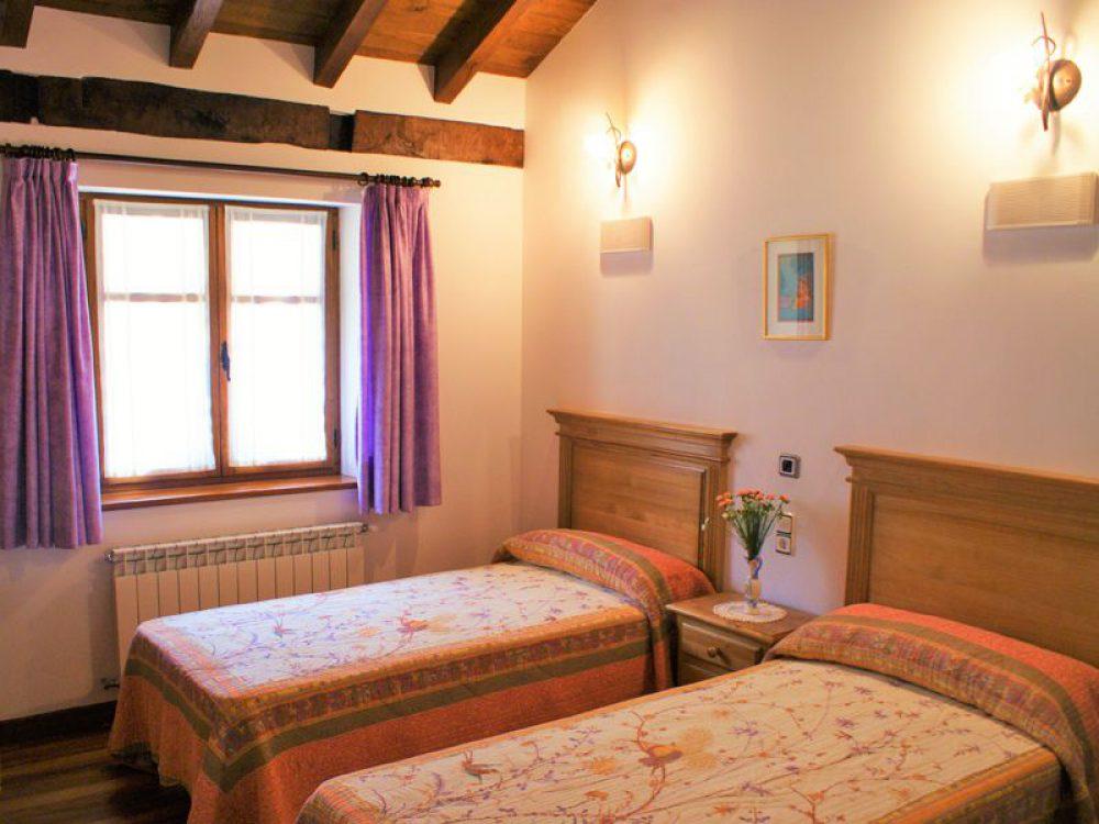 el canton bistruey habitacion dos camas 2185380904