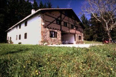 fachada casa rural astorki 500