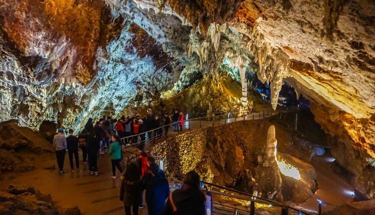 CUEVAS PARA VISISTAR EN ESPAÑA-Cueva El Soplao