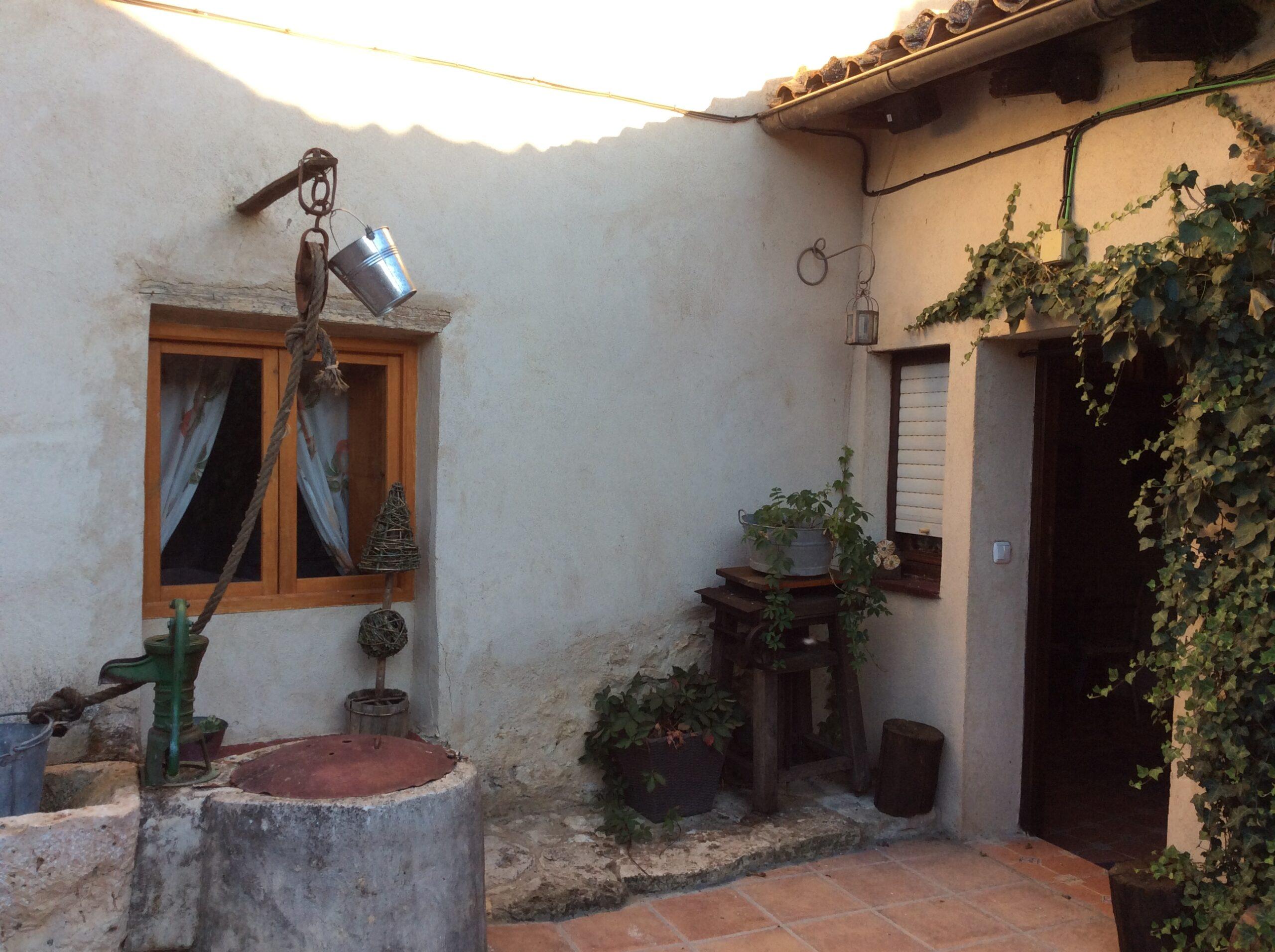 Pozo patio Pequeño Huésped 2