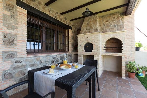 5. porche chimenea