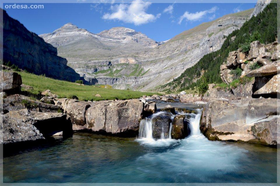 cinco planes aventureros cascada