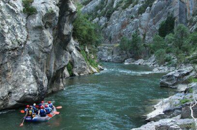 deportes aventura rafting noguera pallaresa portada 828x430 1